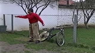 "Gambar cover Qumili - Uka ""Bicikleta dhe Kinezja"" Humor 2003"