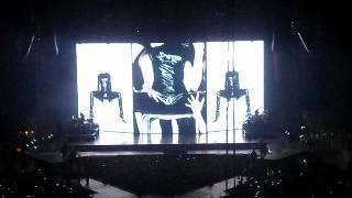 Шоу Мадонны в Москве, 7 августа 2012 года(Шоу было оооочень красивым. Инсталляции, хореография, идеи, но 2,5 часа ожидания, духота, плохой, по сути, альб..., 2012-08-08T12:07:54.000Z)