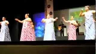 Kumu Leina'ala Pavao Jardin and the ladies of Na Lei Lanakila O Ni'...