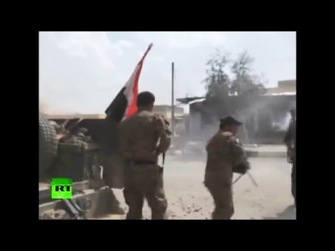 Combat footage: Iraq's elite counterterrorism forces vs ISIS in battle for strategic town