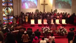Watch Hezekiah Walker Living To Live Again video
