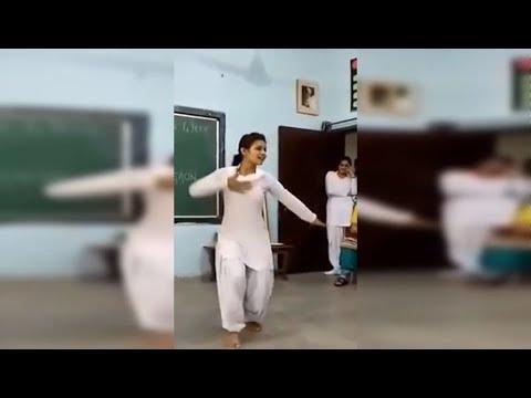 Dil ke kaale manas gelai bolan mein bhi tota see school girl dancing