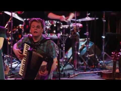Jimmy Kelly & the Street Orchestra - Ale Brider (Live in Concert)