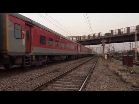 12398 NDLS-GAYA Mahabodhi Exp skipping Panki towards CNB