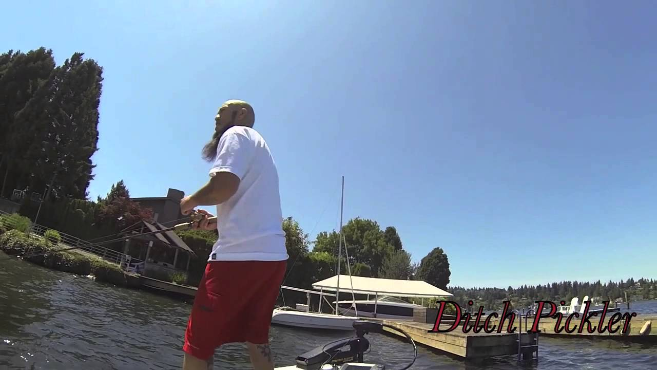 Lake washington smallmouth bass fishing 6 7 14 youtube for Bass fishing washington
