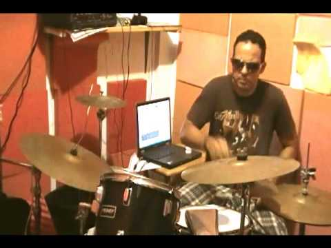 Nelo Baterista   Cover Kiss me deadly from Lita Ford drumcover)