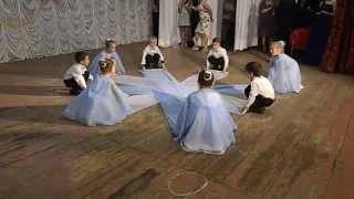 танец детей детского сада села кататериновки и не поверите это дети не пошли в школу