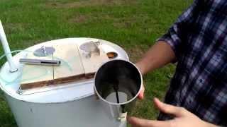 Коптильня своими руками из бочки и дымогенератора KOPTIL 2(На видео коптильня для холодного и горячего копчения сделанная своими руками из 200-литровой бочки и дымоген..., 2015-10-19T13:47:18.000Z)