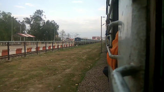 15070 Badshahnagar-Gorakhpur Intercity skipping Gomtinagar and meeting her sister 15010 GTNR-GKP
