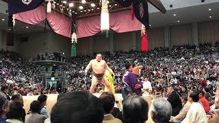 白鵬はほんとに相撲が上手いですね.
