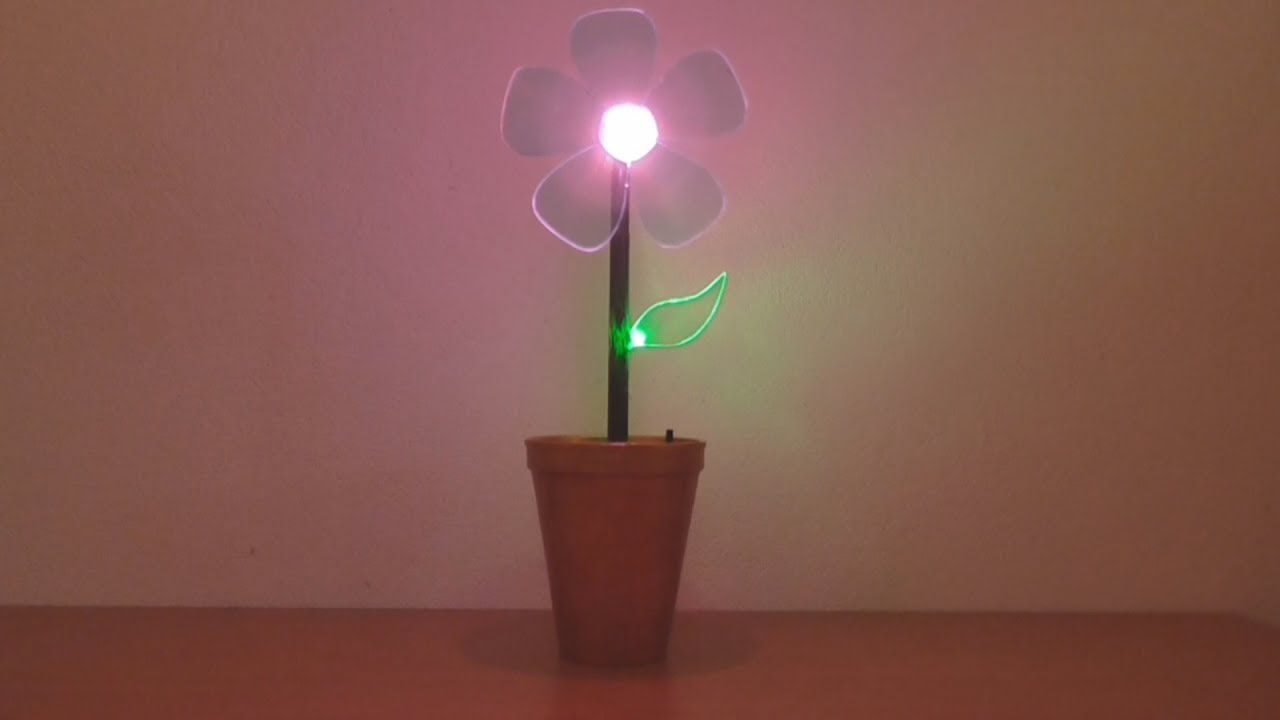 C mo hacer flor luminosa para la decoraci n youtube for Como hacer adornos para la casa