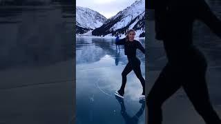Девушку, которая каталась на коньках на БАО, вызвали в полицию