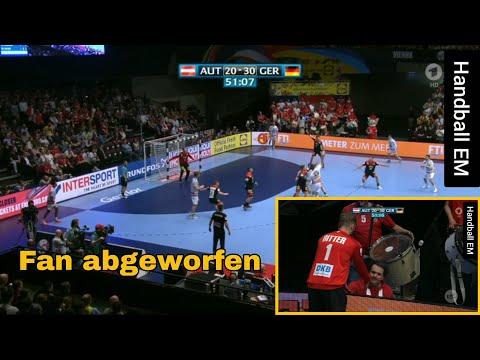 Handball-Spieler Wirft Fan Im Publikum Um | Handball EM'20