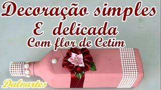DECORAÇÃO SIMPLES E DELICADA COM FLOR DE CETIM