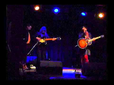 lucy-wainwright-roche-call-your-girlfriend-robyn-cover-smallred9t7