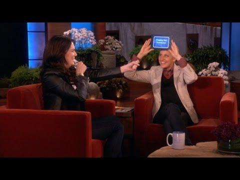 Lauren Graham and Ellen Play 'Heads Up!'