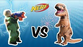 Nerf + Dino Spielzeug beim SpielzeugTester - Julian