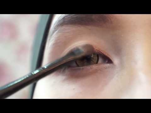 1st makeup tutorial - Natural Smokey eyes by Ellen