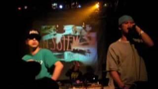 2009年4月に行われたKobeHipHopFestuvalにて韻シストの3MC'sとDJ Mr.Fle...