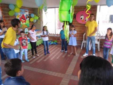 dinamicas fiestas infantiles a mover los pies