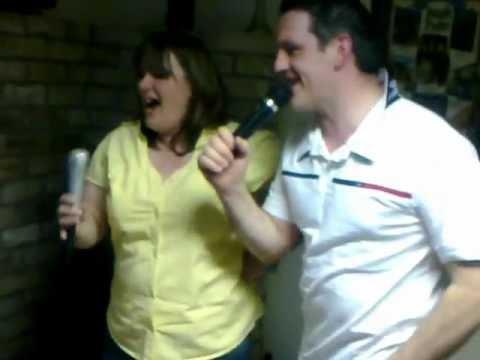 funny karaoke caroline and tom.mp4