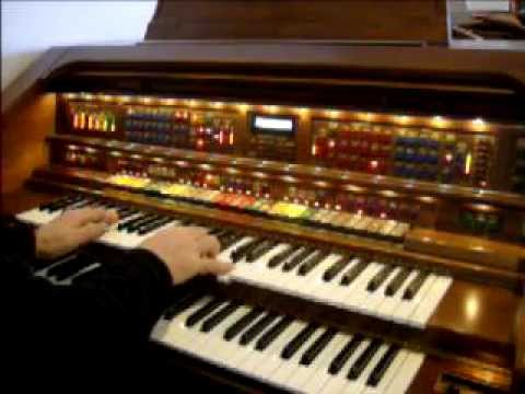Lowrey Organ 021 AVI By Valleypiano1