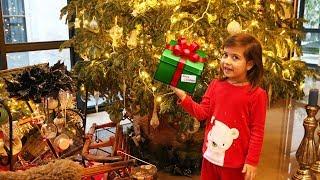 Подарок для Эмилюши от Деда Мороза