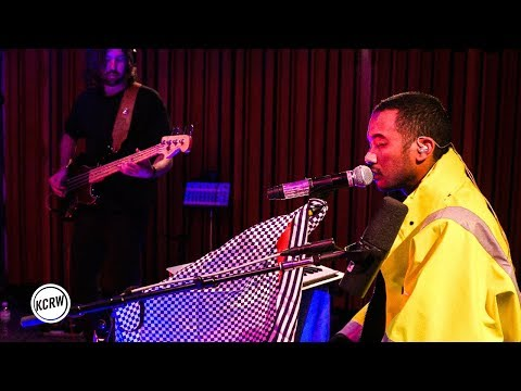 "Toro y Moi performing ""Mirage"" live on KCRW"