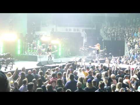 "Poison ""Talk Dirty To Me"" - 4-22-2017 -  Sioux Falls, SD - Denny Sanford Premier Center"