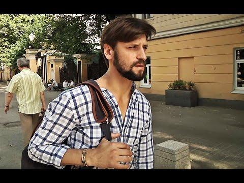Режиссер Алексей Смирнов помогает беженцам из Украины