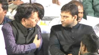Akbar owaisi in solapur 2014 latest video
