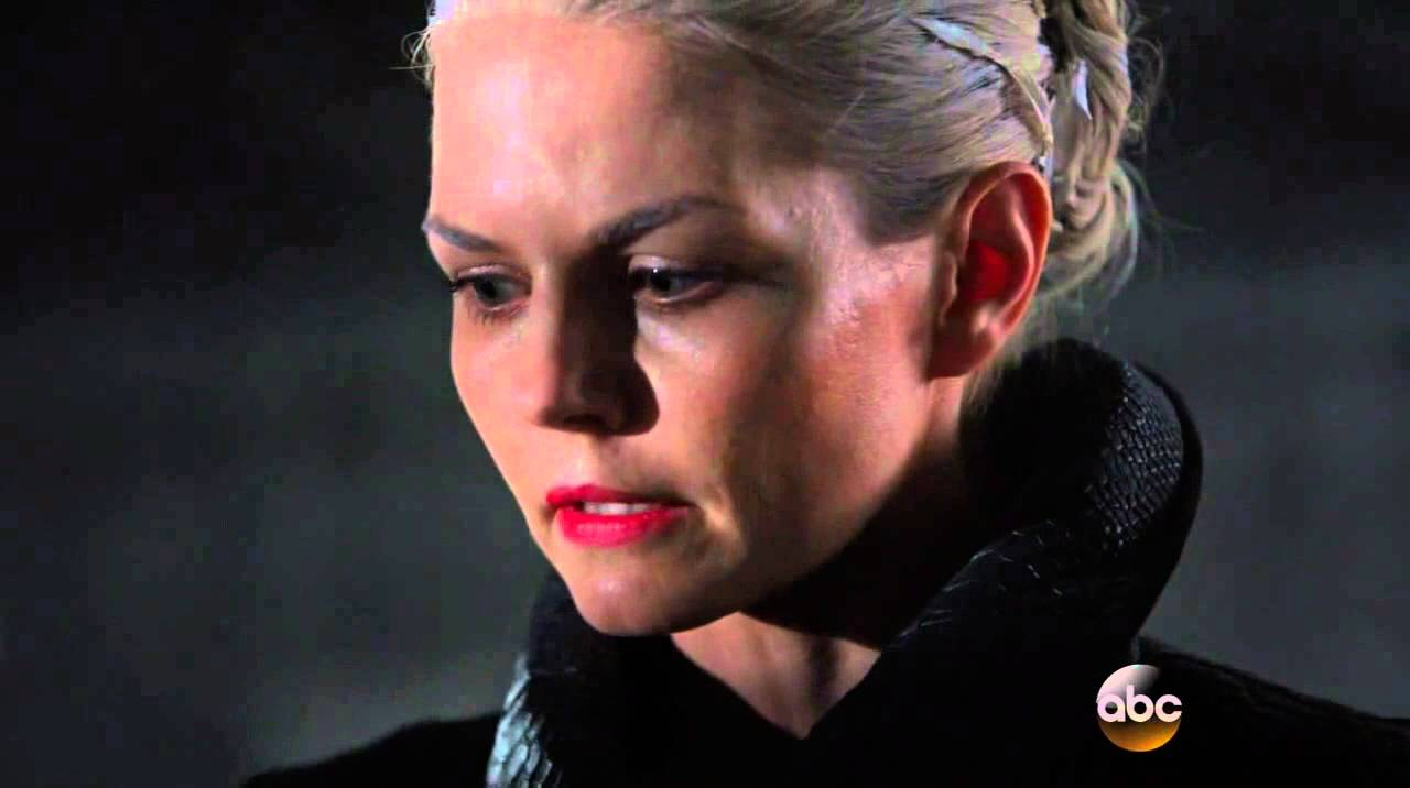 """Download Once Upon A Time 5x01 End Scene Emma as """"The Dark Swan"""" Season 5 Episode 1"""