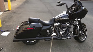 Screamin' Eagle High-Flow Exhaust System with Street Cannon Mufflers for the Milwaukee-Eight Engine