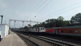 30484 Raises Dust and skips NZM with 22209 BCT NDLS Duronto Express
