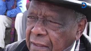 The day Sir Charles Njonjo decided to sit with \'wananchi\' at Nyayo Stadium #NJONJOat100