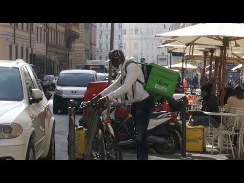 إيطاليا تحذر من تحول عمال توصيل الطعام إلى -عبيد-  - نشر قبل 1 ساعة