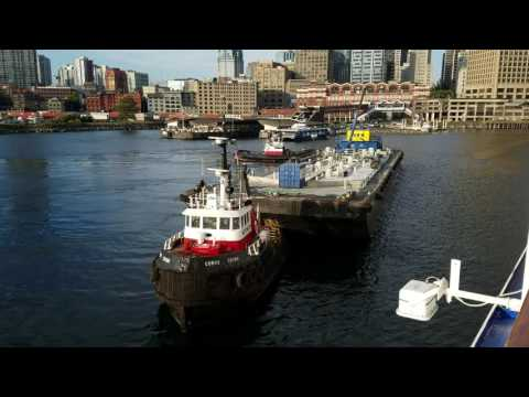 Vancouver harbor tug boats at work