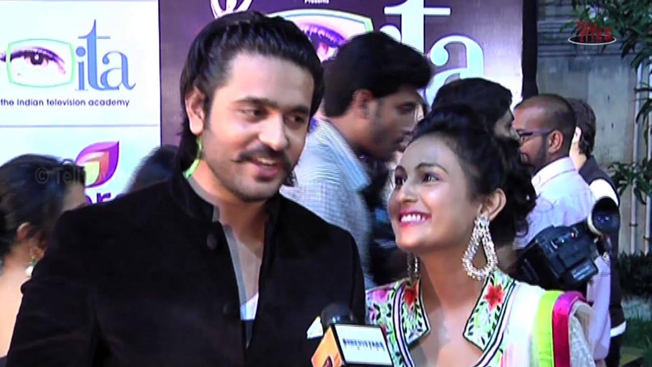Ashish Sharma with Wife Archana at ITA Awards - YouTube