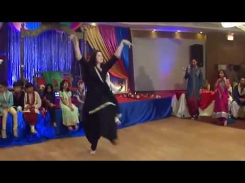 MUNDEA TO BACH KE RAHI DANCE PUNJBAI GIRL