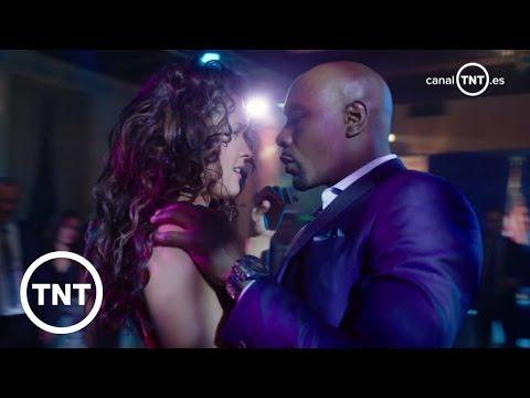 Avance – Episodio 1x22 | Rosewood | TNT thumbnail