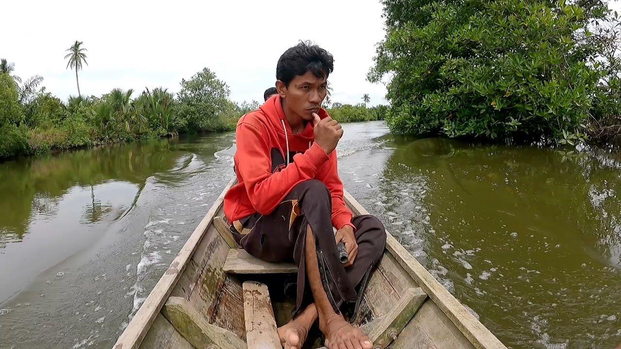 Download jala ikan pakai perahu dapat ikan aneh   jala ikan di tempat baru