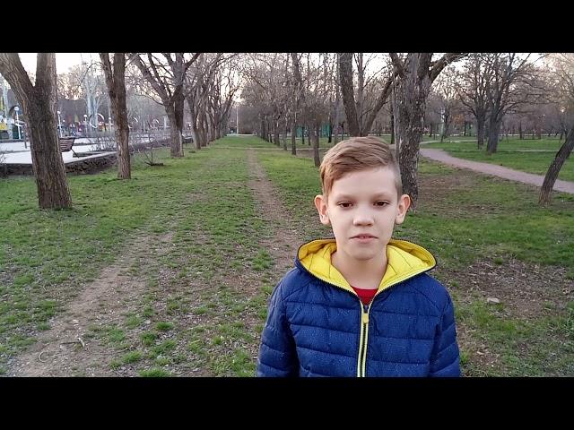 Изображение предпросмотра прочтения – ГеоргийБурдюгов читает произведение «Как по речке по реке» (Русский фольклор )