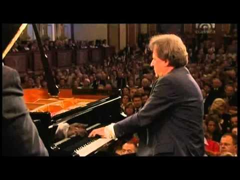Mozart, Piano Concert Nr  14 Es Dur KV 449   Rudolf Buchbinder Piano & Conducter, Wiener Phi