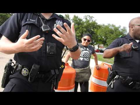 Dallas Northeast Patrol Division officer Barker doesn't know the law 1st amendment audit