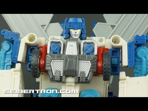 eBay Demonstration: Transformers Robots In Disguise Ultra Magnus 2001 131126a