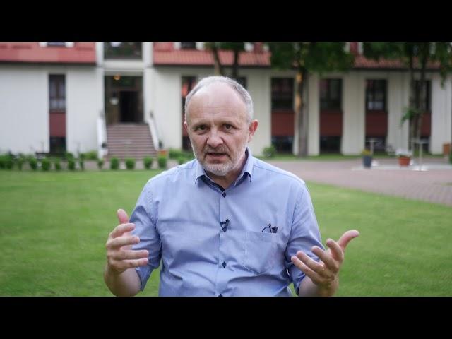 Radość studiowania S01E04 - pastor Robert Miksa