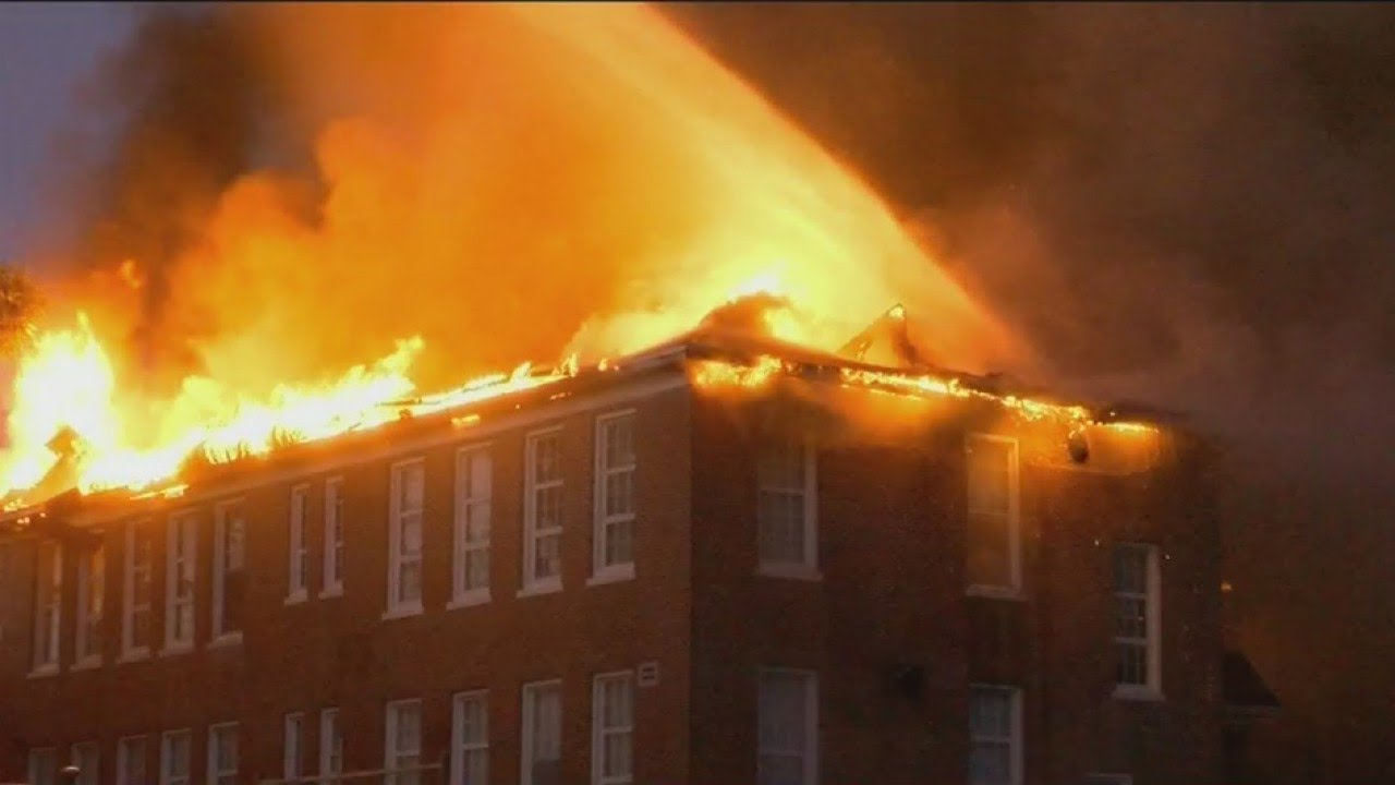 Robert E. Lee school fire - YouTube