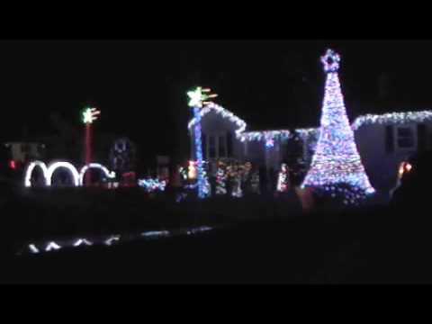 Animated Christmas Lights Display Synchronized To Music