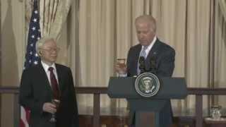 Phó Tổng thống Mỹ lẩy Kiều khi gặp Tổng Bí thư Nguyễn Phú Trọng