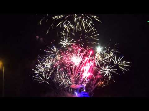 The Amazing 16.5 tons of Fireworks launched for New Year Celebration in Santiago, Chile